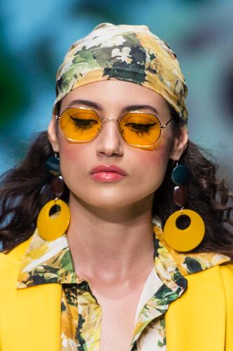oculos-lente-amarela-feminino