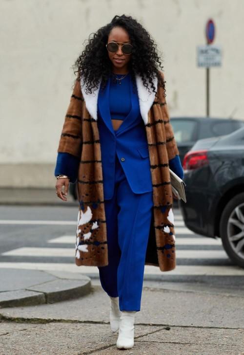 cores da moda 2020 - classic blue